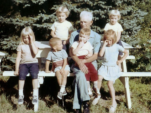 WEB-1964-Grandpa-Sutton-great-grandkids