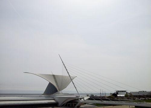 Web_milwaukee-art-museum_3_atrium-prow