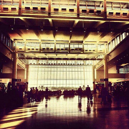 01-January-Houston-airport-terminal