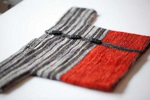 04-April-baby-knitting