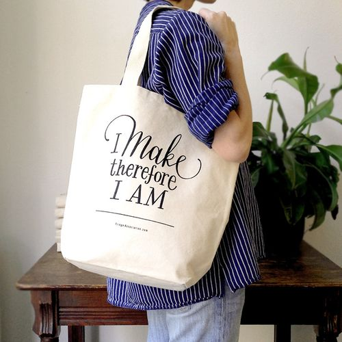 Make-tote_over_shoulder