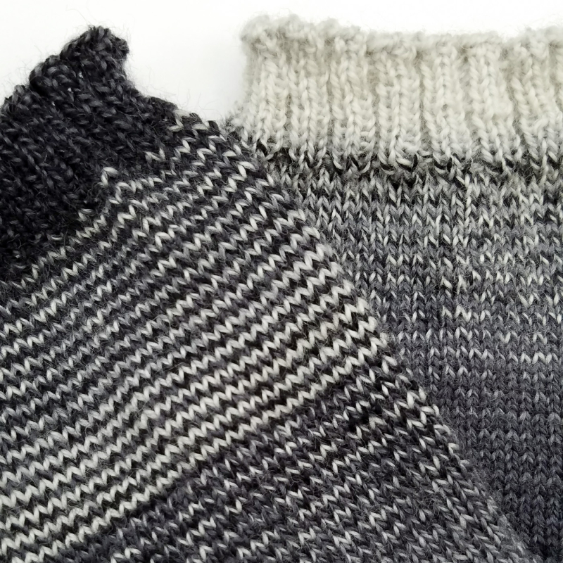 Helical-Stripes_Knit-Mitts_knitorious_4