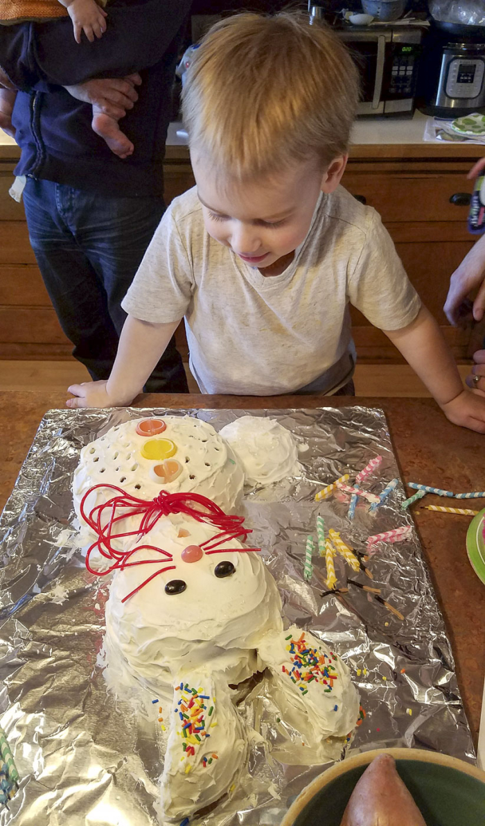 Knitorious_4-16-17_bunny-cake_04