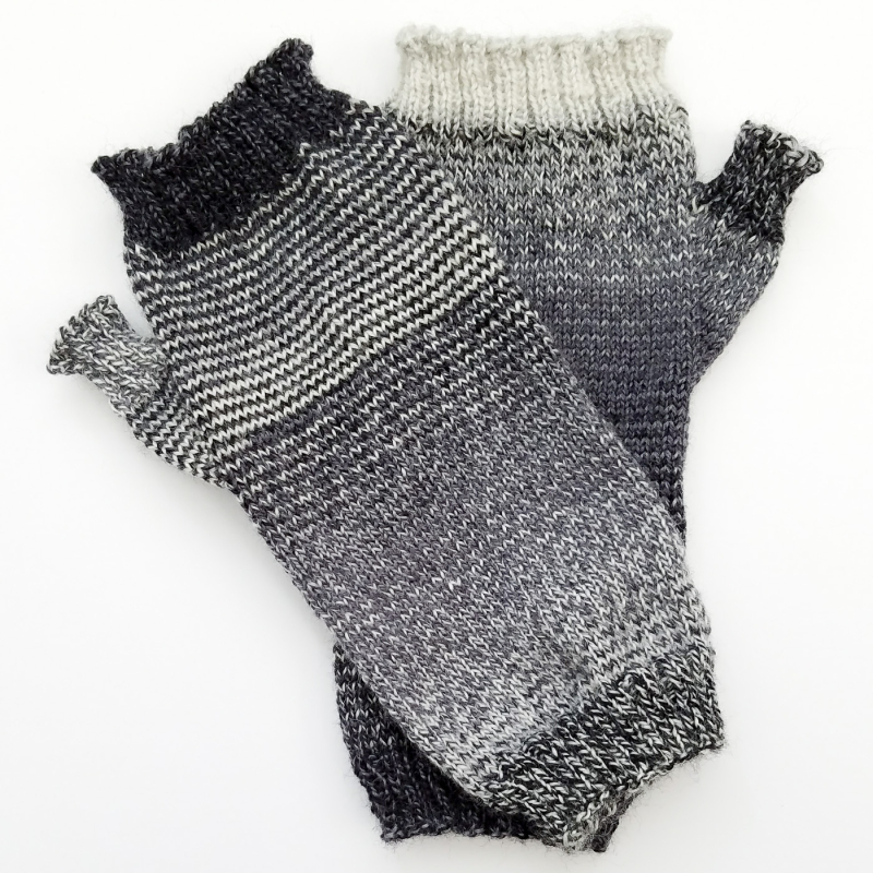 Helical-Stripes_Knit-Mitts_knitorious_3