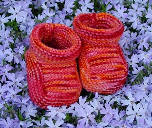 Garter Stitch Bootees